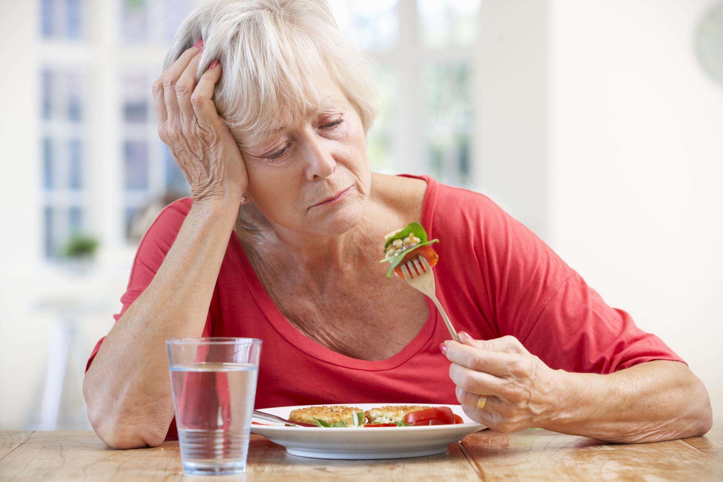 Избавьтесь от головных болей, высокого давления и холестерина этим народным средством. Вот почему нужно каждое утро пить…